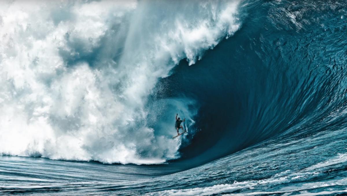 חולמים על גלים ענקיים - משמעות ומשמעות של חלומות